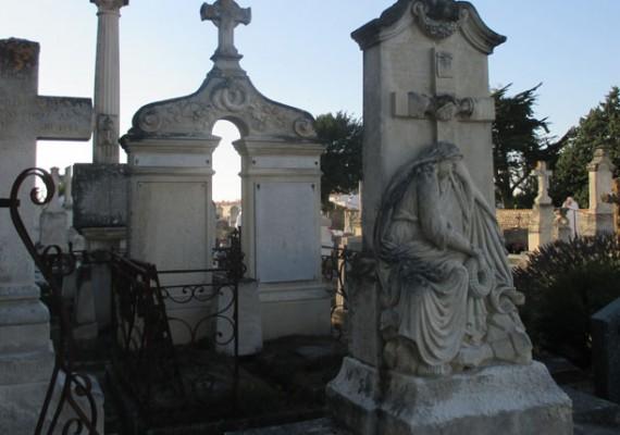 Entretien de tombes île de Ré, La Rochelle