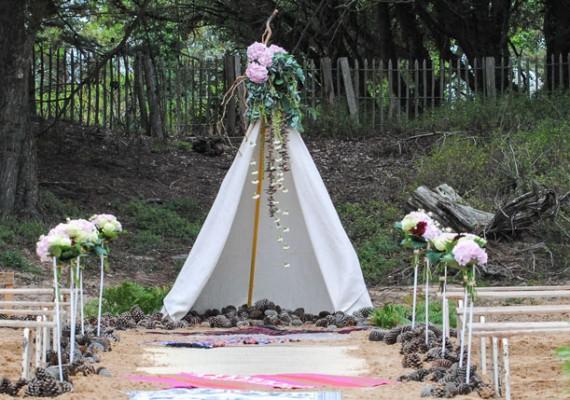 Décoration et fleurs pour cérémonie de mariage laïque
